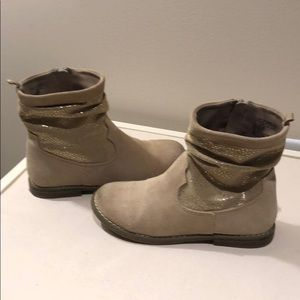 Gap girls suede slouch booties